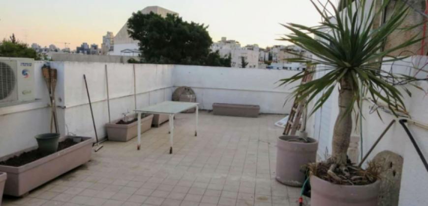 מחפשים שותף לדירת גג ברמת גן