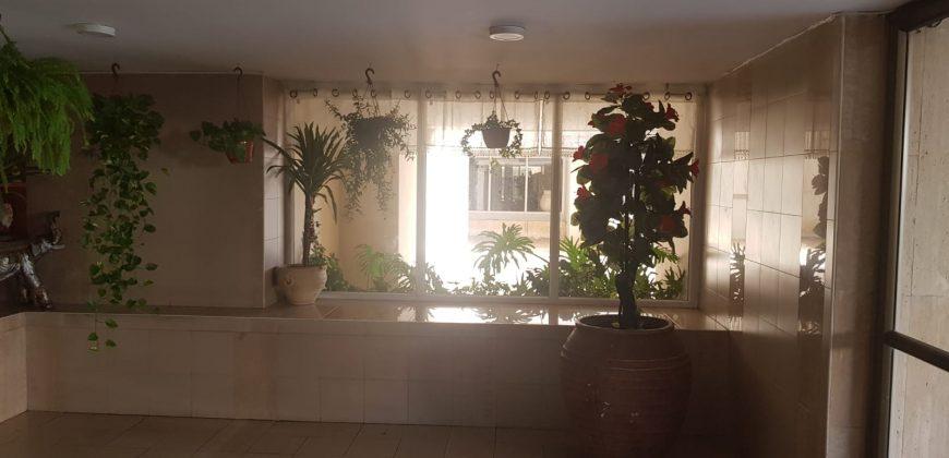 למכירה 3 חדרים ברחוב התאנה 10 חולון בניין חדיש עם מעלית מרפסת שמש ממד וחניה בטאבו