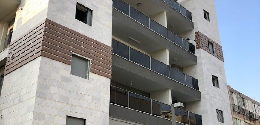 דירת 4 חדרים, זמנהוף חולון